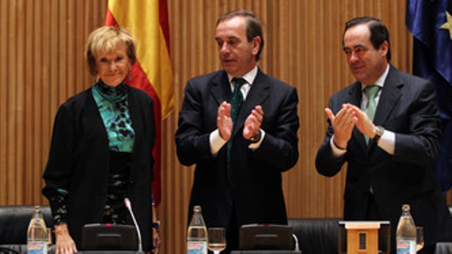 De la Vega, Alonso y Bono, en el Congreso