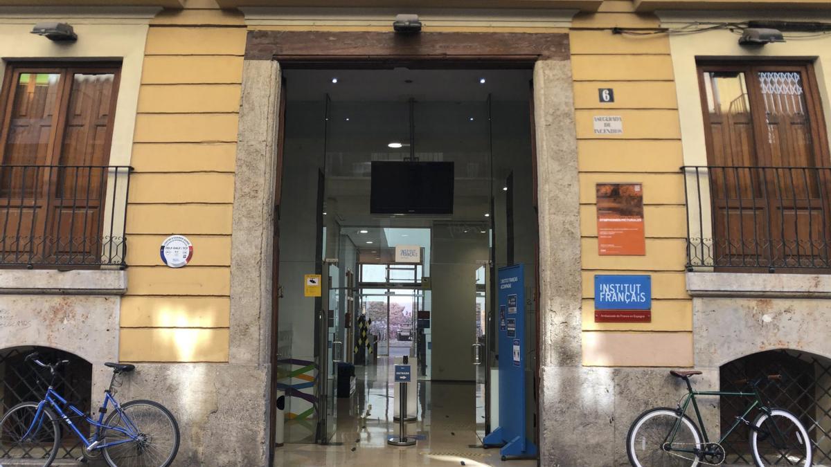 Entrada del Institut Français de Valencia, en el barrio de El Carme.