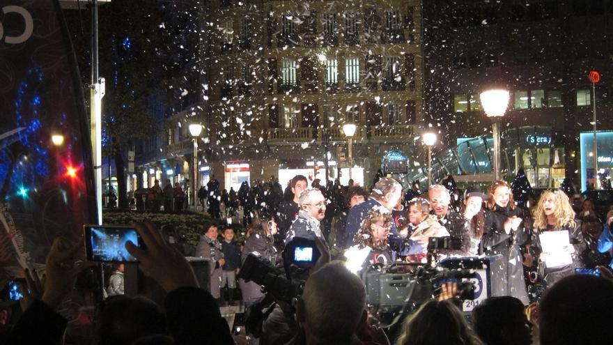 El Ayuntamiento de Bilbao enciende el alumbrado navideño de las calles de la villa