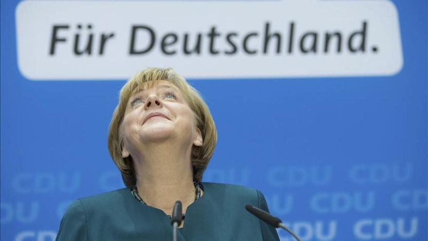 """Santos felicita a Merkel y dice que continuarán las """"magníficas relaciones"""""""