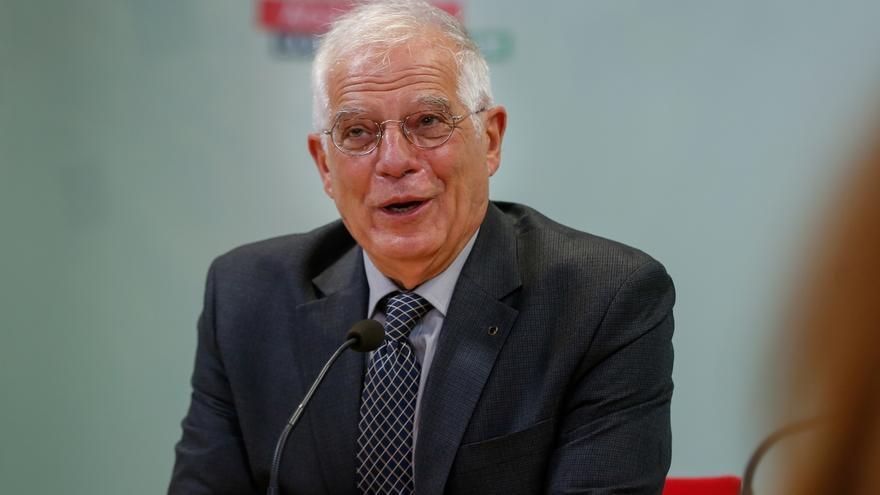"""Borrell cree que proclamar el deseo de ganar, como hace Susana Díaz, """"se queda un poco corto"""" como programa político"""