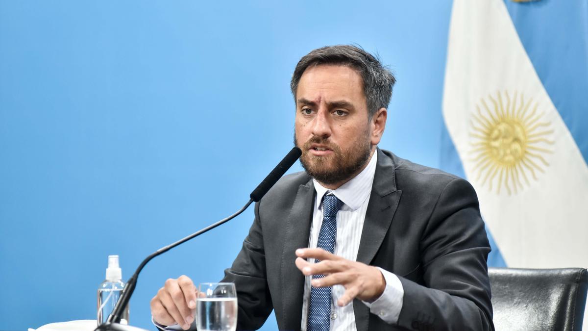 El ministro de Ambiente y Desarrollo Sostenible, Juan Cabandié, en conferencia de prensa, este miércoles 10 de marzo de 2021..