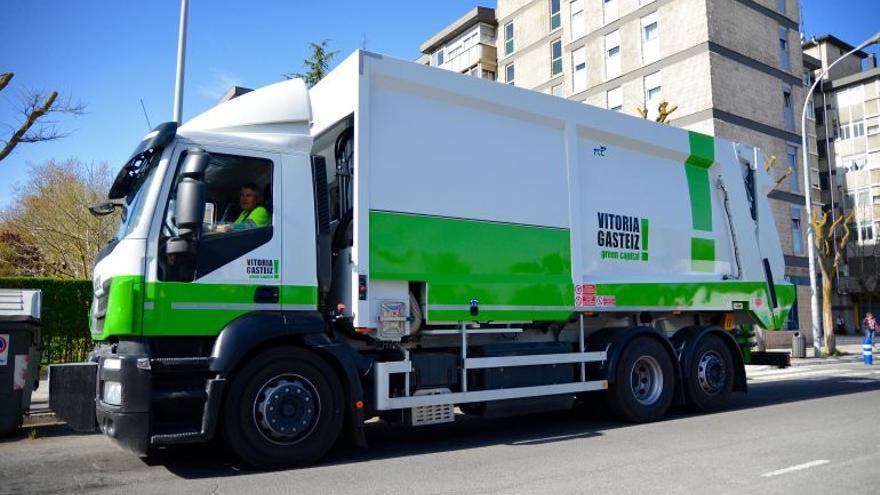 Camión de limpieza de Vitoria.