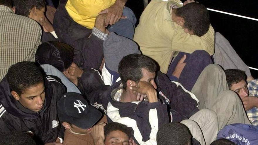 Interceptan en México 54 migrantes viajando en condiciones de hacinamiento