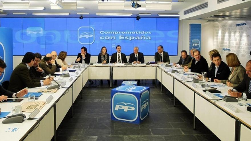 Rajoy y 'barones' del PP buscan escenificar en Cáceres un cierre de filas en medio del revuelo interno por la corrupción