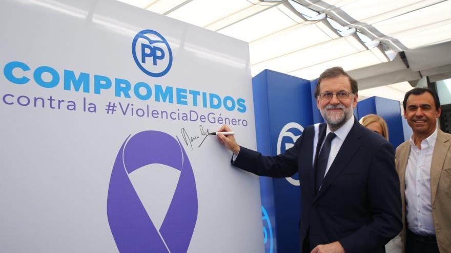 Rajoy, en el acto contra la violencia machista convocado por el PP minutos después de su declaración ante el juez