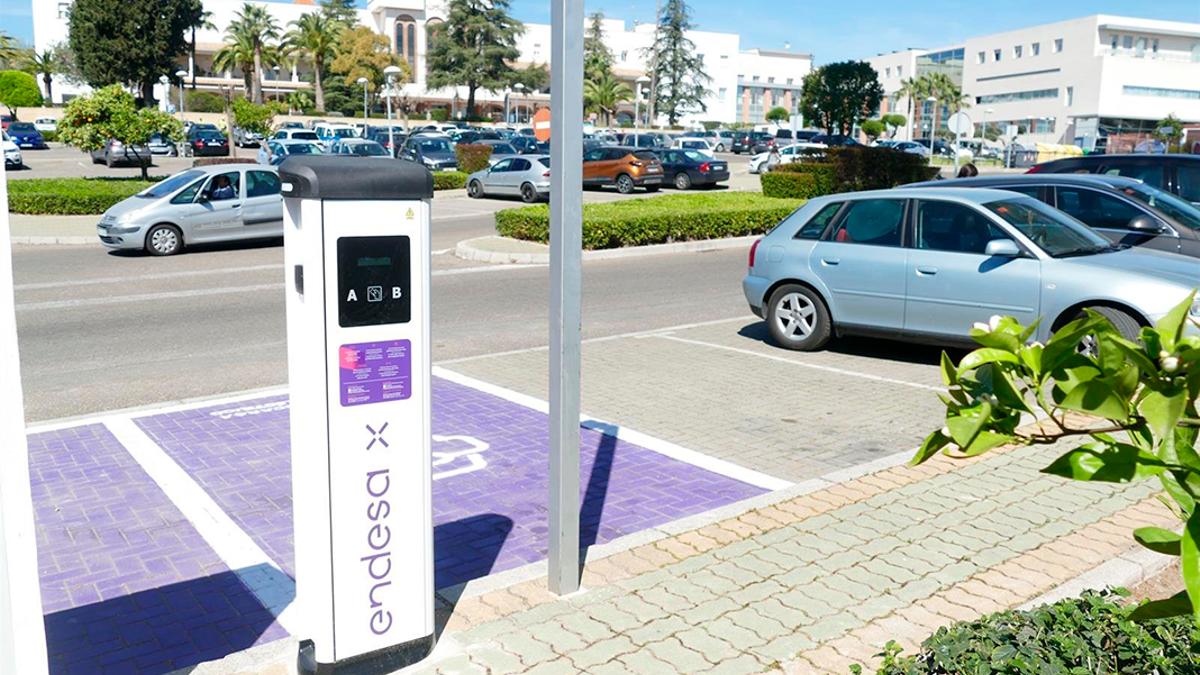 Un punto de recarga de vehículos eléctricos en Córdoba.