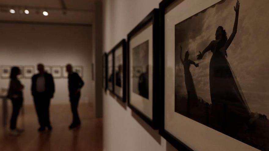 Exhiben faceta de Juan Rulfo como fotógrafo en el centenario de su nacimiento