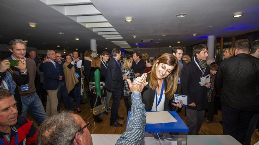 María José Sáenz de Buruaga gana el congreso del PP de Cantabria