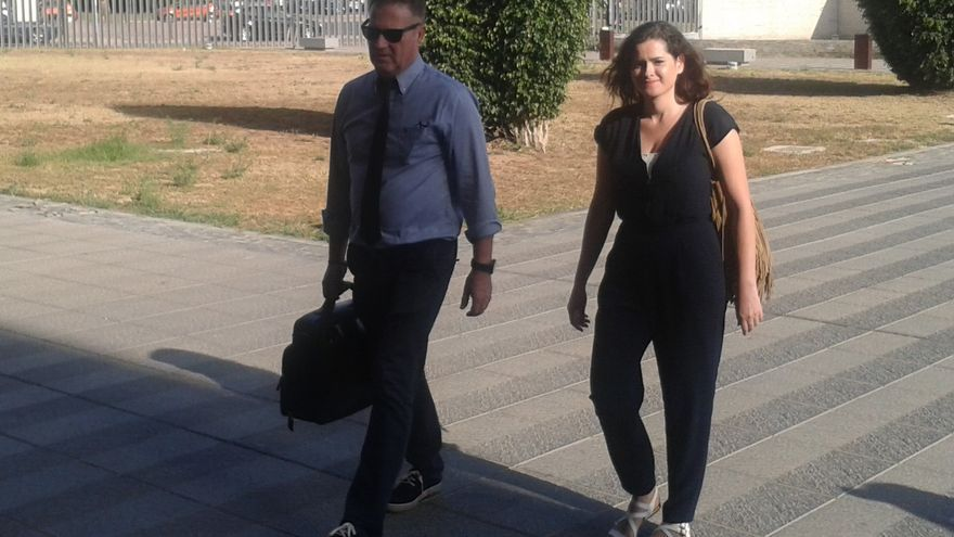 La concejala de Fiestas, Sara Usó, entrando en la Audiencia de Castellón por la celebración del juicio el 7 de julio.