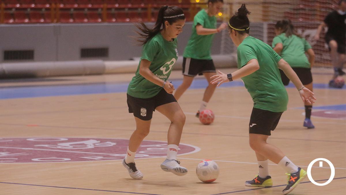 Jugadoras del Deportivo Córdoba en un entrenamiento