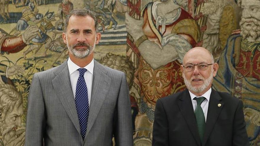 Felipe VI recibe al fiscal general la víspera de la apertura del año judicial