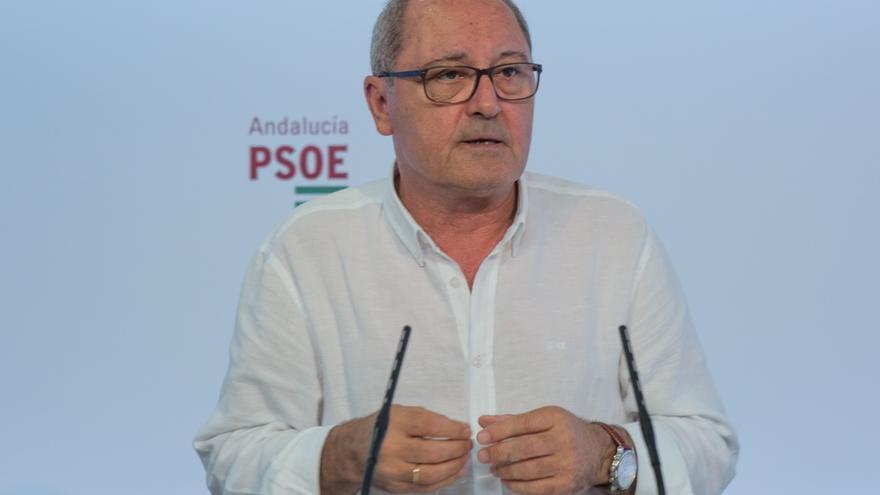 """El PSOE andaluz critica el """"pitorreo y cachondeo"""" de Montoro con el objetivo de déficit"""
