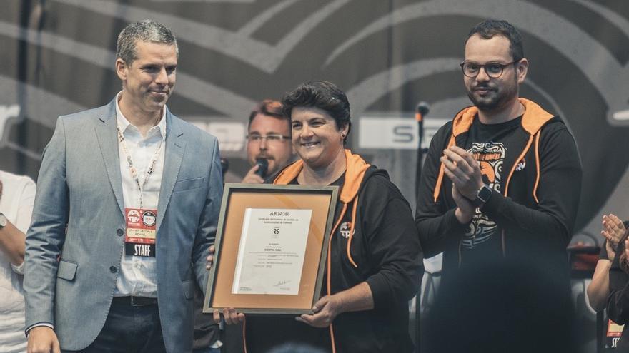 """Sodepal, empresa organizadora de la Transvulcania recibió el sábado  la Certificación Internacional UNE:ISO 20121:2013 de Evento Sostenible durante la entrega de premios de las distintas modalidades de """"la exitosa edición de 2019"""".."""