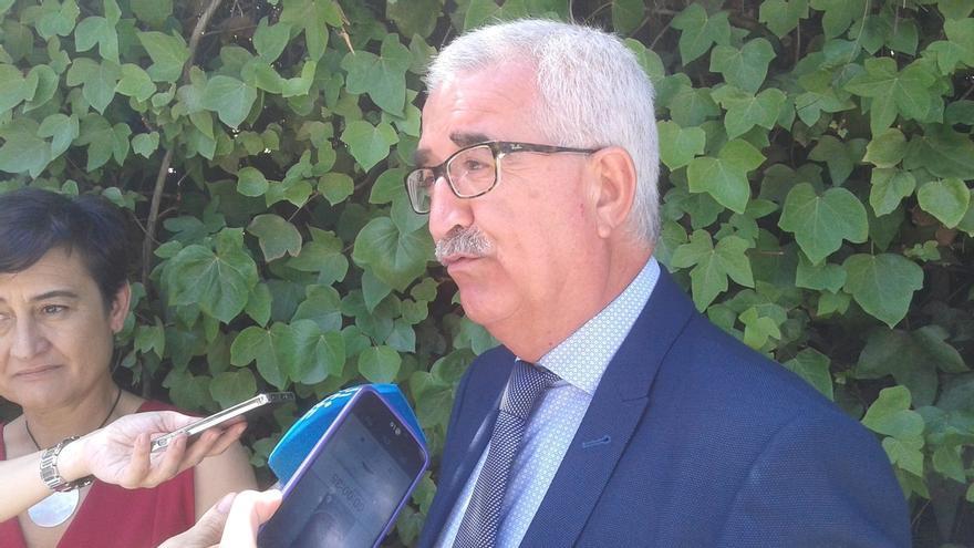 """Jiménez Barrios asegura que Montoro le ha trasladado su voluntad de """"evitar conflictividad"""" en relación a las 35 horas"""