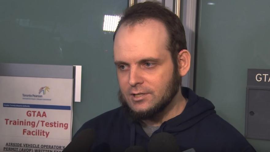 Joshua Boyle se enfrenta a 15 acusaciones, todas transcurridas en los últimos meses, después de su retorno a Canadá