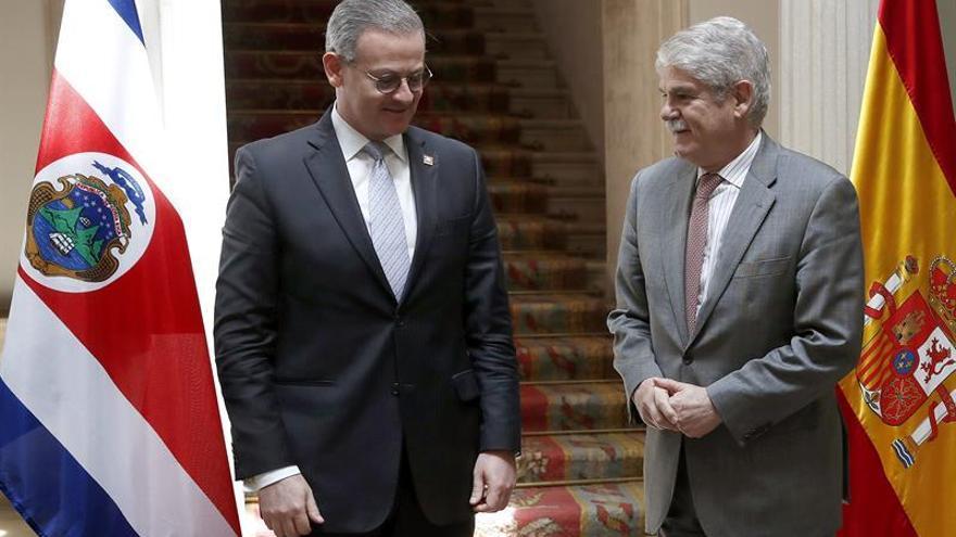 El presidente de Costa Rica visitará España en mayo