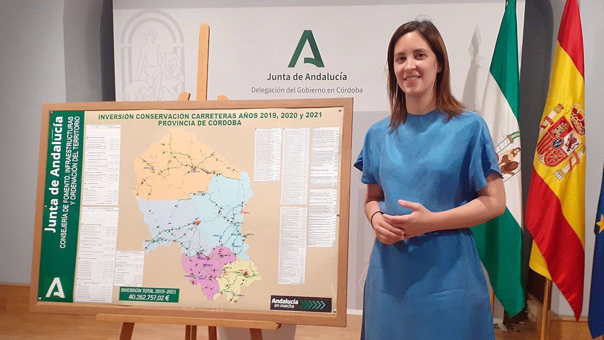 la delegada de Fomento, Infraestructuras y Ordenación del Territorio, Cristina Casanueva.