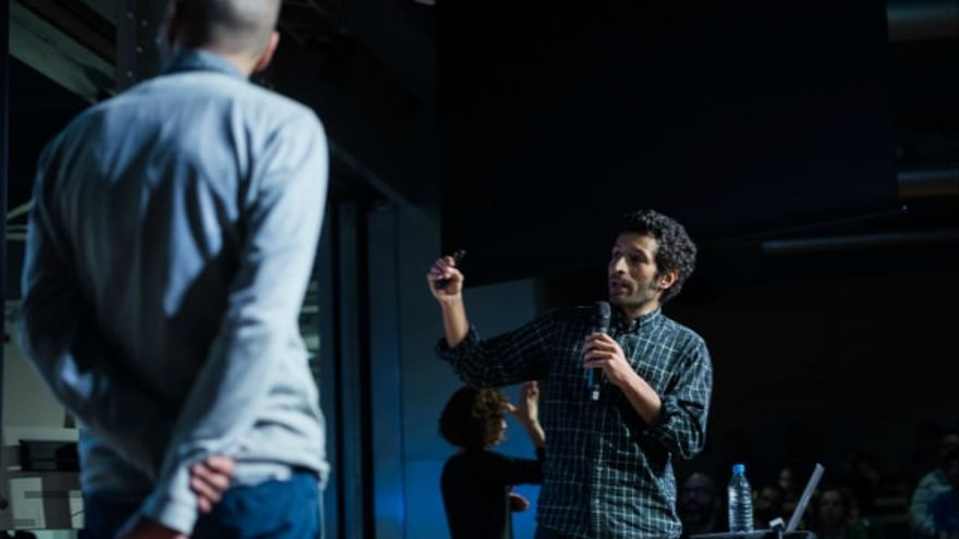 Los hermanos Raúl y Eduardo Acosta, fundadores de Raiz New Media