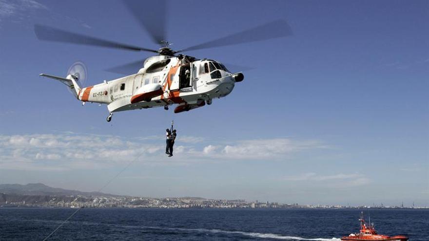 Mas de 120 personas evacuadas en helicóptero tras el derrumbe de carretera
