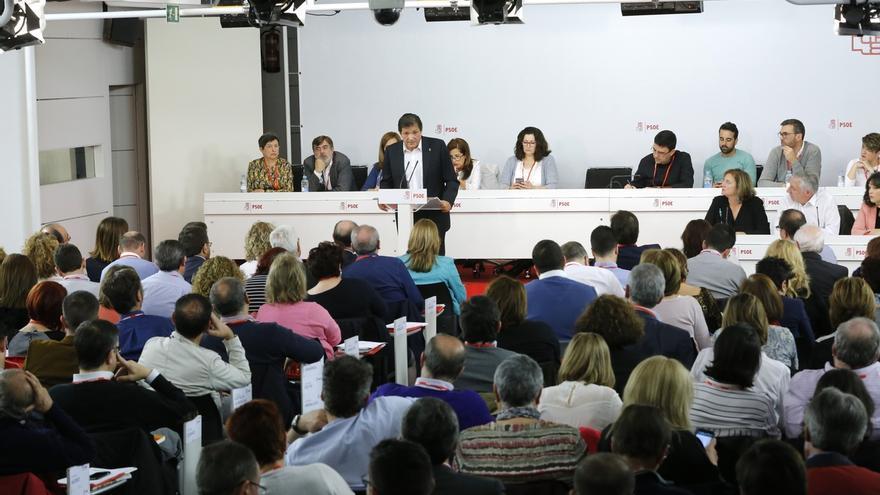 El PSOE fija el censo provisional para las primarias en 177.902 militantes, unos 20.000 menos que en 2014