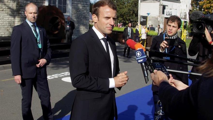 Macron le dice a Rajoy que está comprometido con la unidad de España