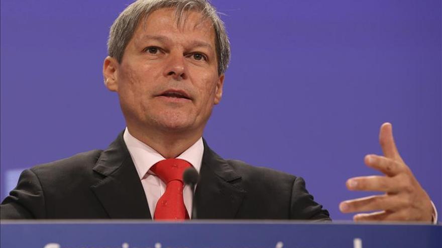 El excomisario europeo Dacian Ciolos designado nuevo primer ministro de Rumanía