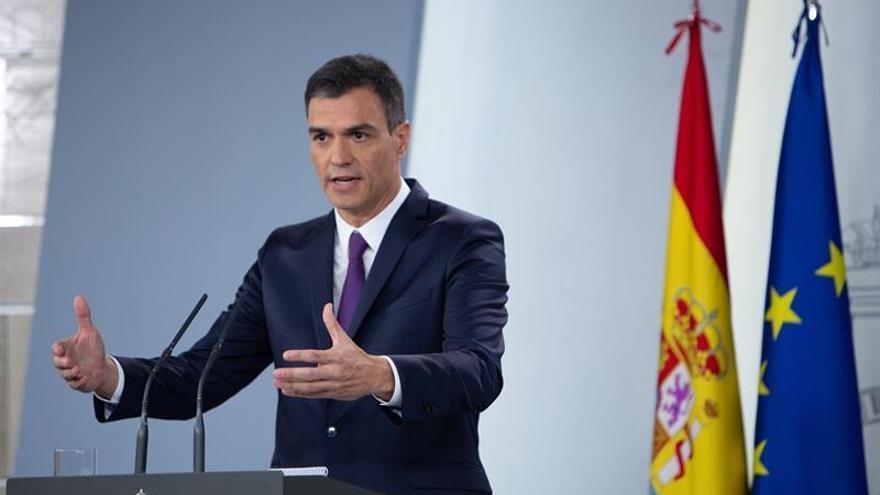 Sánchez afirma que aprobará un impuesto sobre transacciones financieras y elude hablar de impuesto a la banca