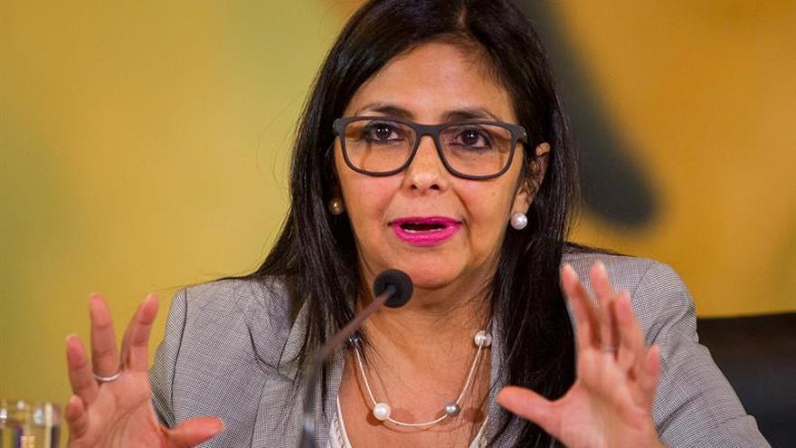 """La canciller dice que Almagro es el """"líder"""" contra el diálogo en Venezuela"""