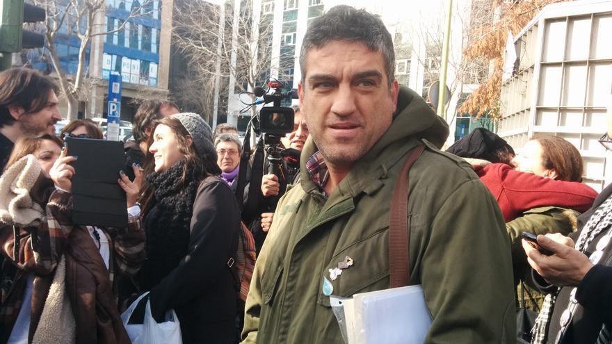 Raúl Capín a la salida del juzgado de lo penal / L.G.