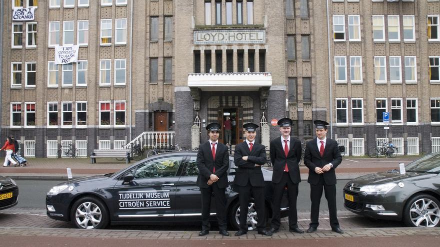 Un grupo de chóferes del Temporary Museum de Amsterdam
