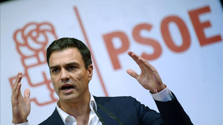 Sánchez se reúne mañana con los presidentes socialistas e Iceta por Cataluña