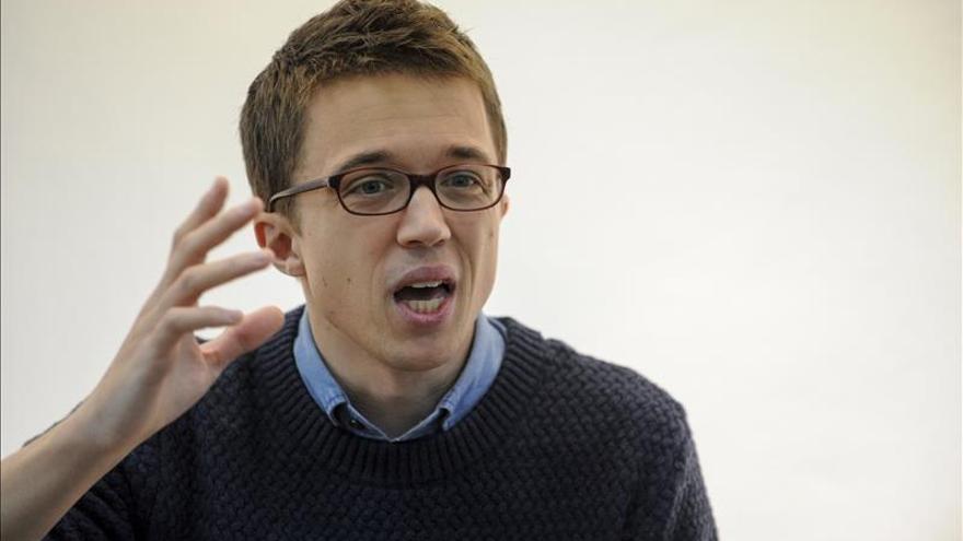 """Errejón cree que es """"una vergüenza"""" que Rajoy no acuda a un debate a cuatro"""