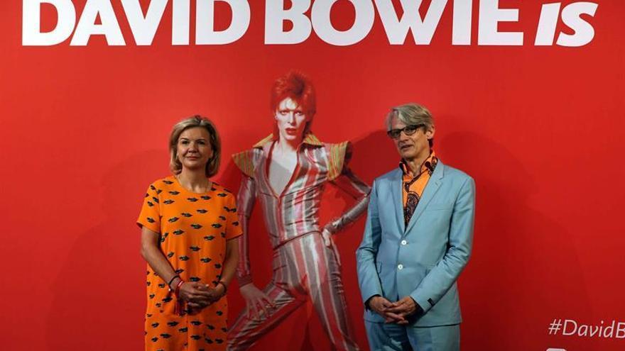 """La Exposición """"David Bowie is"""" recibe en su primer mes más de 40.000 visitantes"""