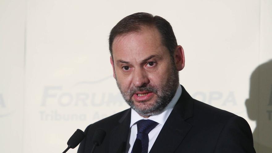 """Ábalos rechaza las críticas del PP por """"retrasos"""" en el AVE: """"Hemos licitado ya todos los proyectos"""""""