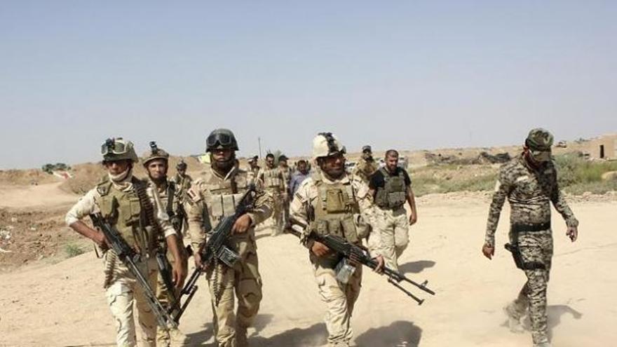 El Ejército iraquí lucha contra el grupo llamado Estado Islámico con ayuda de milicias kurdas y chiíes