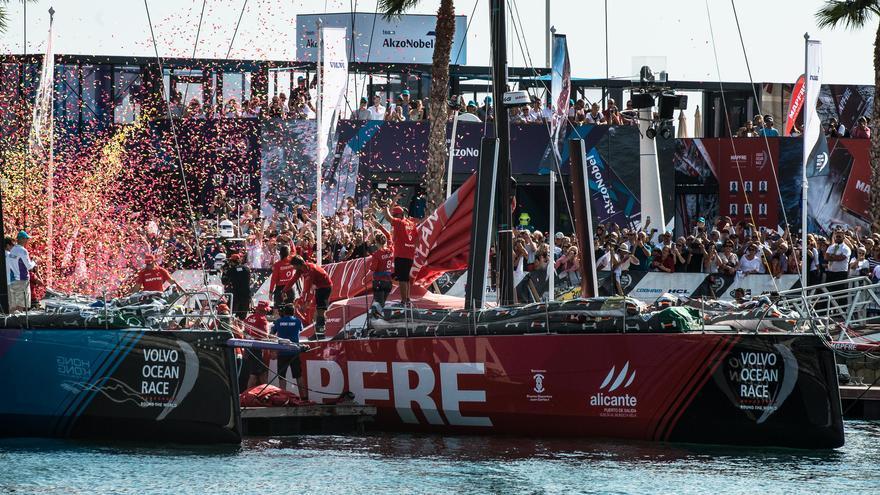 Fiesta de salida de la Vuelta al Mundo a Vela en Alicante.