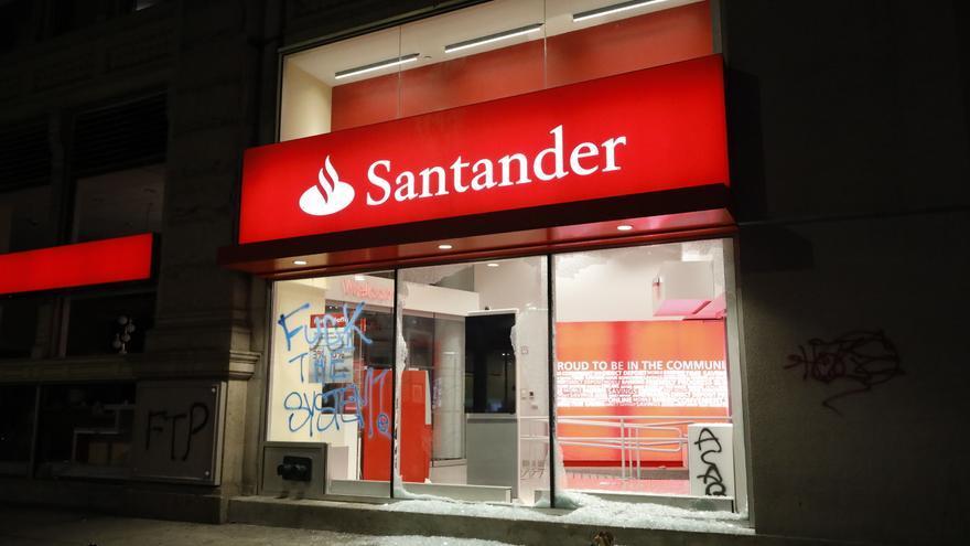 Admitida una demanda colectiva contra el Santander por las tarjetas de pago aplazado