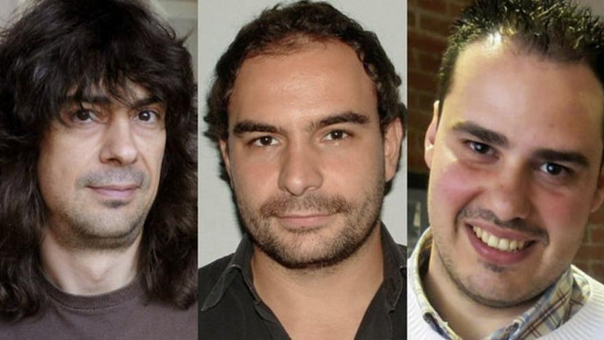 Los periodistas José Manuel López, Ángel Sastre, y Antonio Pampliega, de izquierda a derecha.