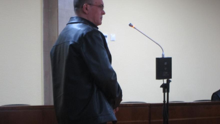 Condenado a cinco años y medio de prisión por maltratar e incendiar la casa de su pareja