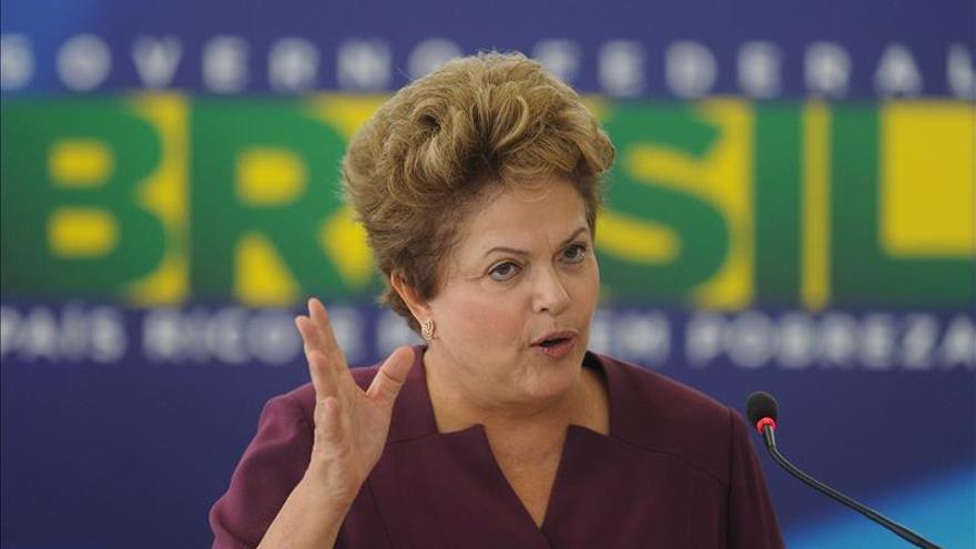 Rousseff anuncia primer cambio ministerial desde que asumió segundo mandato