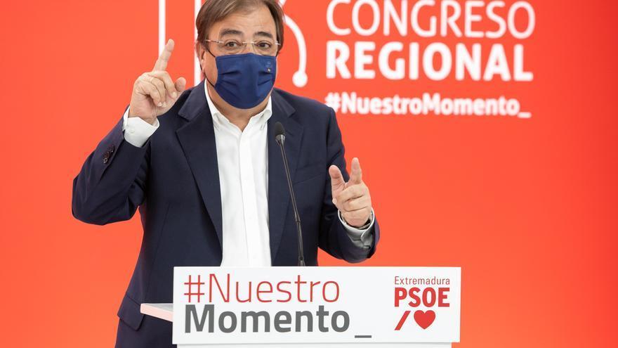 Imagen de archivo del presidente de la Junta de Extremadura, Guillermo Fernández Vara, en una rueda de prensa