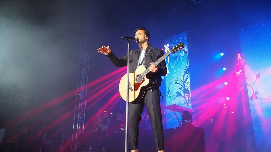 Luis Fonsi durante su concierto en La Palma. Foto: JOSÉ AYUT