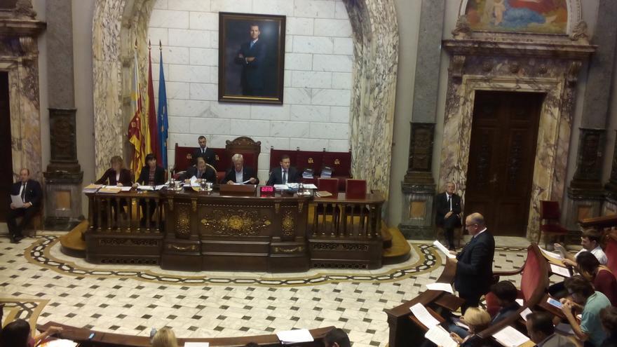 Joan Calabuig en una de sus intervenciones durante el pleno del Ayuntamiento de Valencia