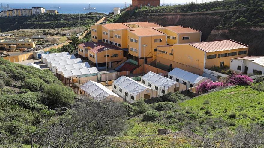 El Gobierno de España aprueba 40 millones para atender la llegada de inmigrantes a Canarias