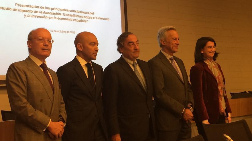 El TTIP con EE.UU. elevará un 0,72% los salarios y creará 83.500 empleos al año en España, según IEE