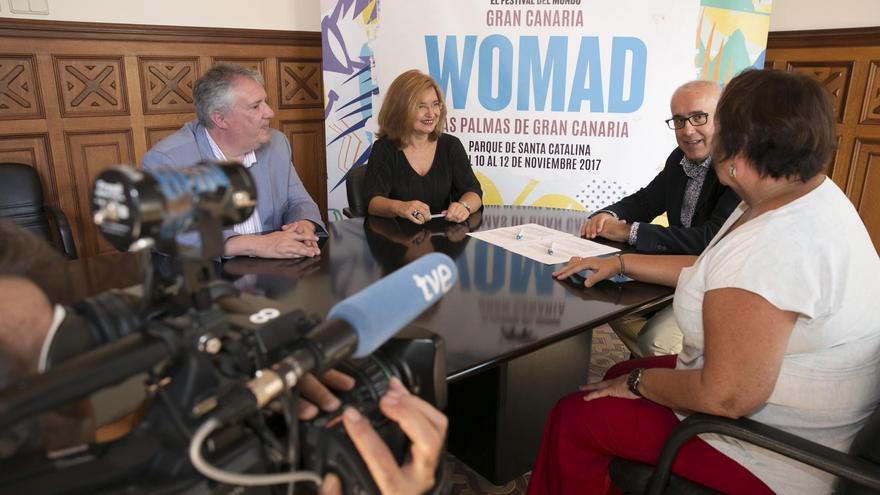 Firma del acuerdo entre WOMAD, Ayuntamiento y RTVE