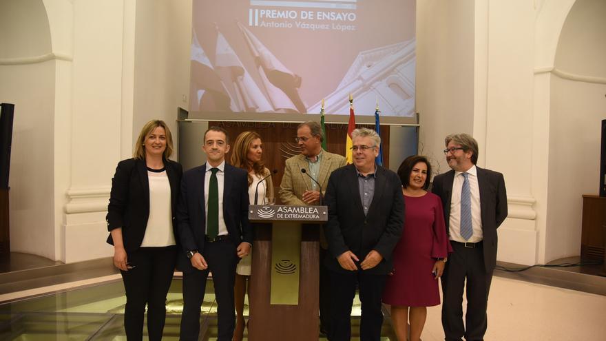 """Entrega del Premio de Ensayo """"Antonio Vázquez López"""" / Asamblea"""