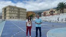 Yurena Pérez,  concejal de Deportes de Santa Cruz de La Palma, y Tony Acosta, primer teniende de alcalde y concejal de Obras.