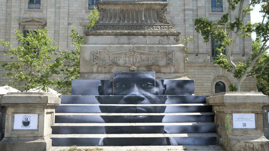 'Esclavitud sin comillas', acción del colectivo Enmedio, fotografía: Oriana Eliçabe